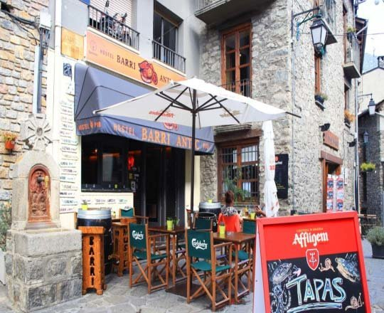 Hostel & Pub Barri Antic