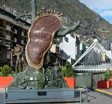 Esculturas y fuentes en Andorra la Vella
