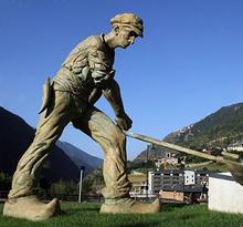 Escultures i fonts a Encamp - El dallaire