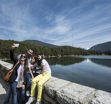 Route 5 Bus Touristique : Paysage, lac et énergie