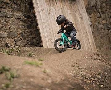 VALLNORD BIKE PARK DOWNHILL SCHOOL